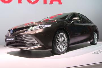 Toyota Camry & Corolla Touring Sports - Parijs 2018 Special