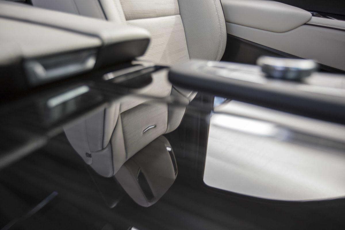 Cadillac Escalade (2020) 20