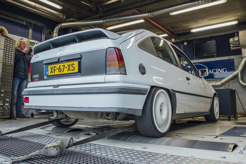 Opel Kadett 2.0-16V GSI - Op de Rollenbank