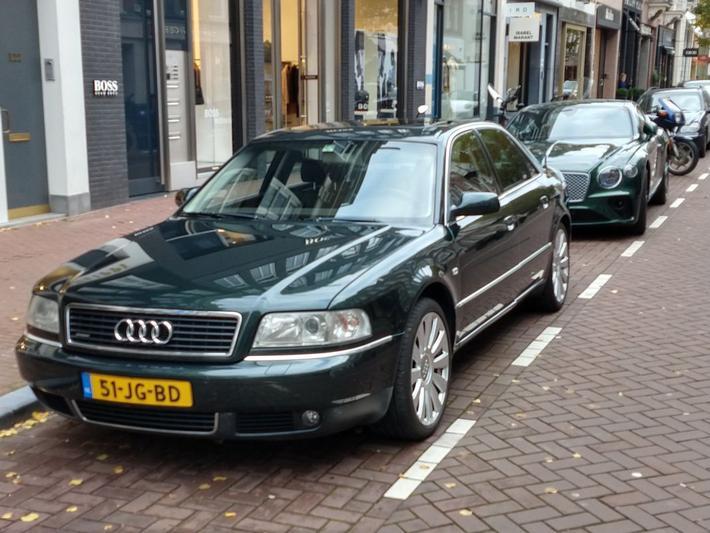 Audi A8 2.5 TDI quattro (2002)