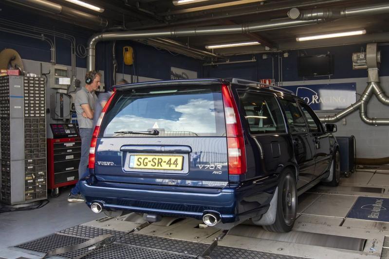 Volvo V70 2.3 R AWD - Op de Rollenbank