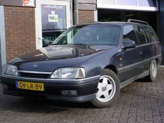 Opel Omega Caravan 2.6i Sportive (1993)