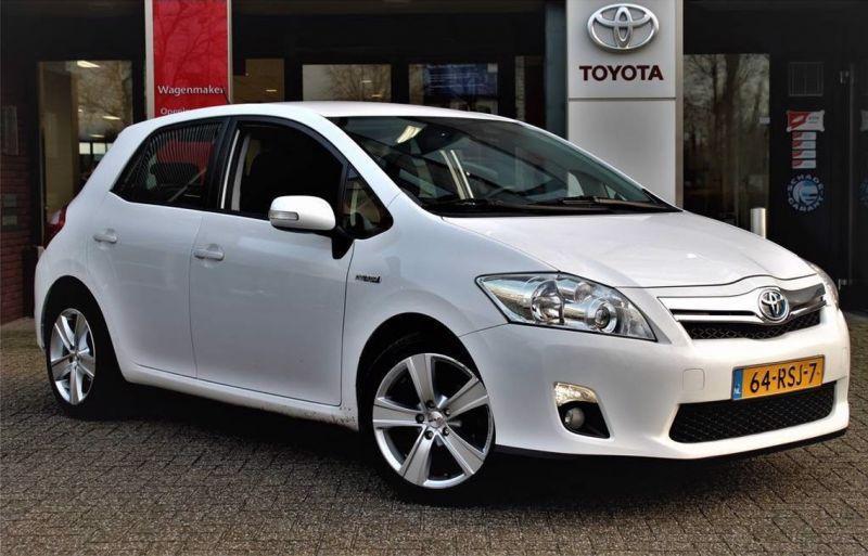 Toyota Auris 1.8 Full Hybrid Aspiration (2011)