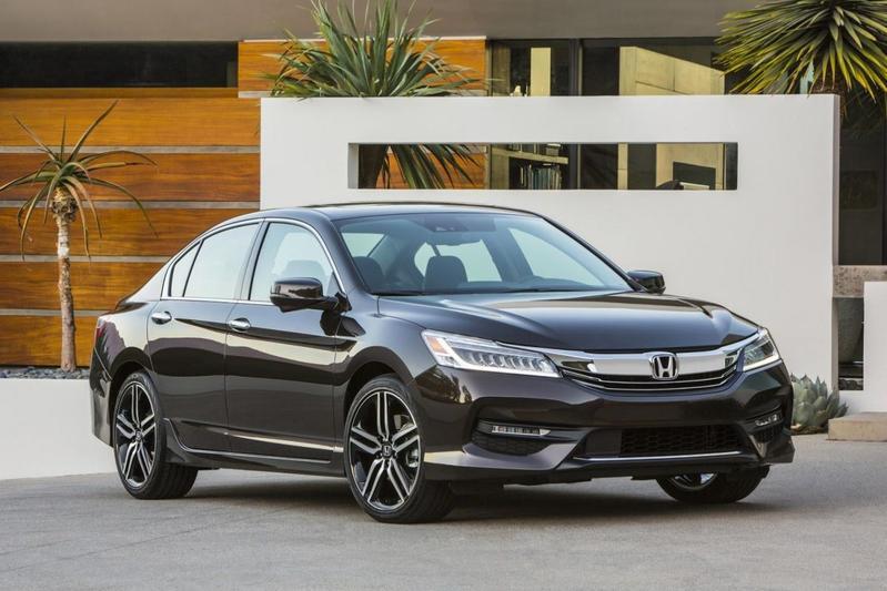 Amerikaanse Honda Accord bijgeschaafd