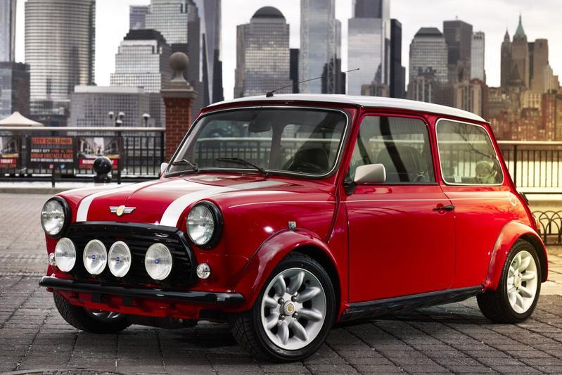'Classic Mini Electric' blikt terug én vooruit