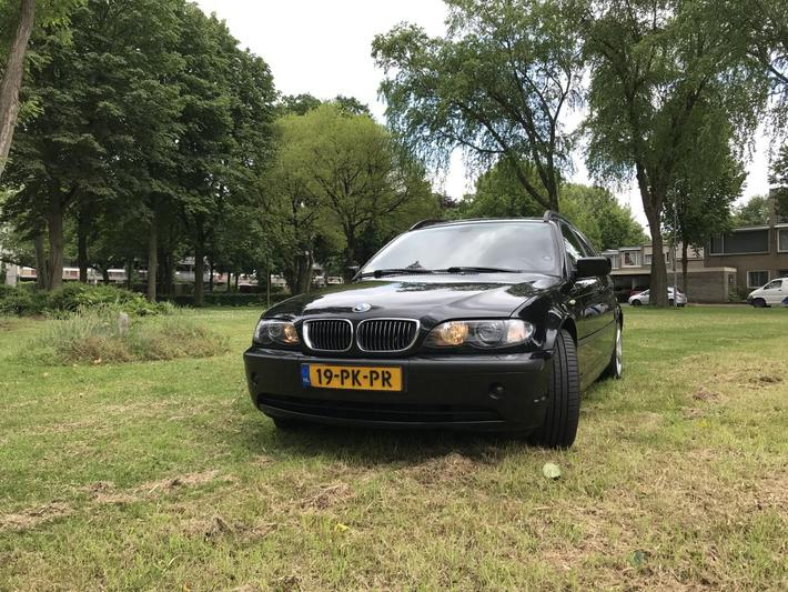 BMW 330d touring Edition (2004)