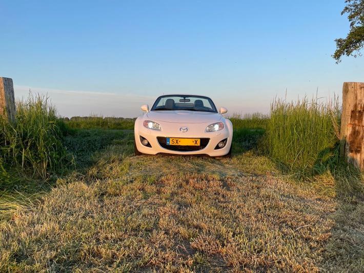 Mazda MX-5 2.0 S-VT GT-L (2011)