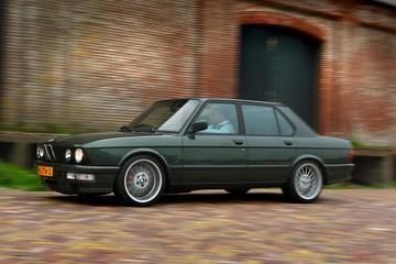 BMW E28 540d