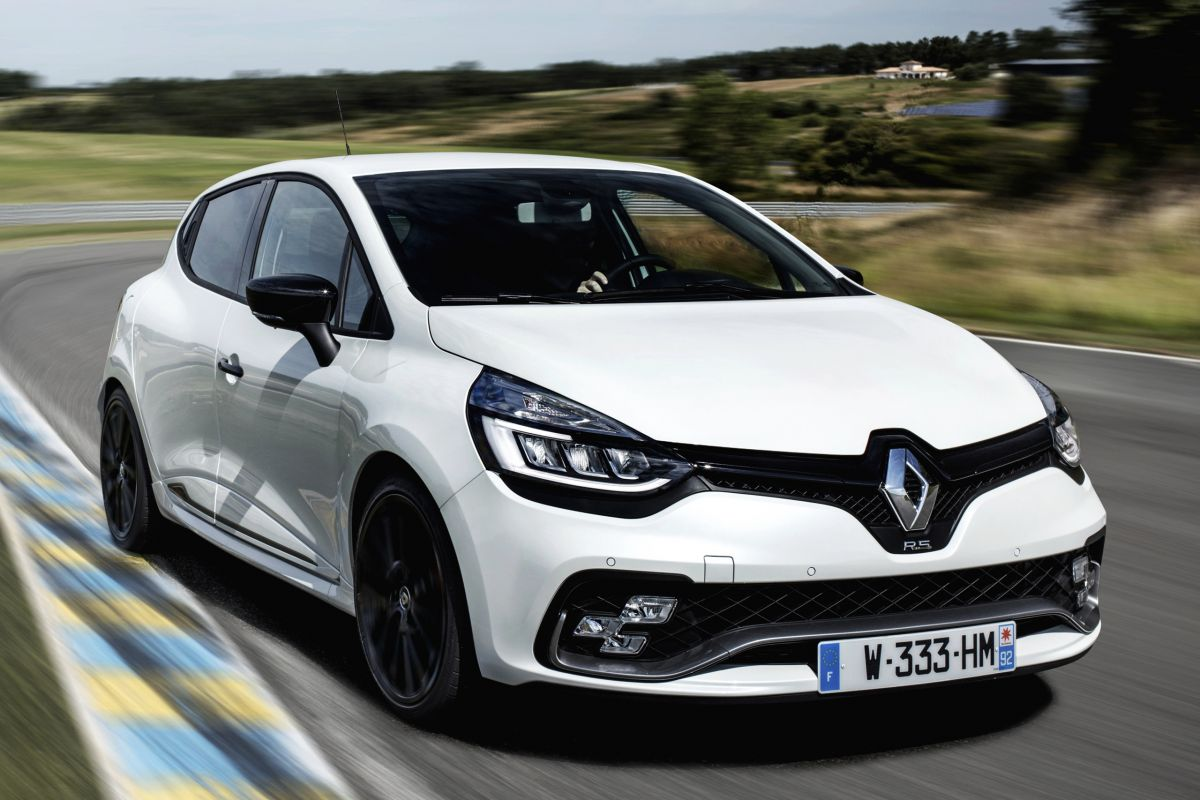 renault clio rs trophy eerste rijtest. Black Bedroom Furniture Sets. Home Design Ideas