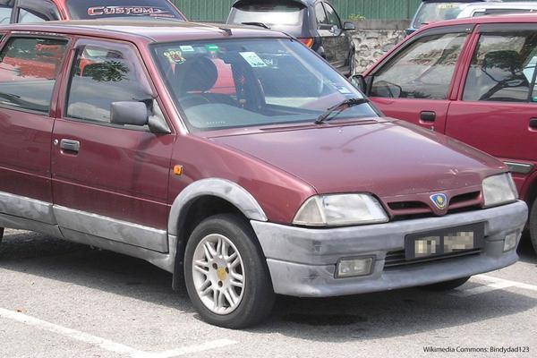 De Tweeling: Citroën AX - Proton Tiara
