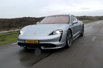Eindejaarsvideo - Roy - Porsche Taycan