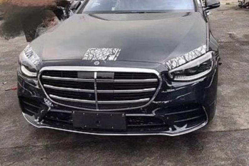 Mercedes-Benz S-klasse gelekt