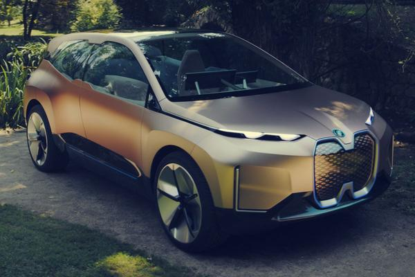 BMW Vision iNext is los