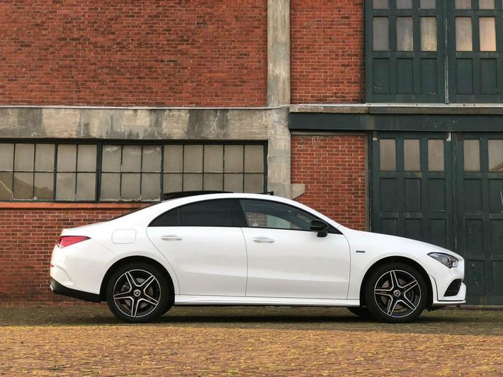 Mercedes-Benz CLA 250 e Business Solution AMG (2021)