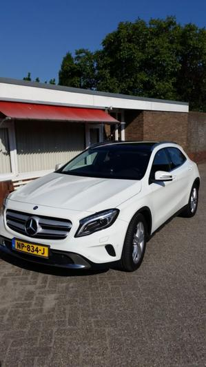 Mercedes-Benz GLA 220 d 4MATIC (2015)