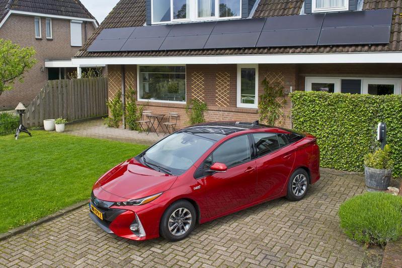 Toyota zet vaart achter elektrificatie