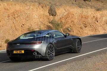 Ongecamoufleerd: Aston Martin DB11!