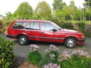 Opel Rekord Caravan 2.0 S Berlina (1984)