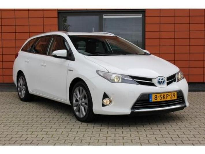 Toyota Auris Touring Sports 1.8 Hybrid Executive (2013)
