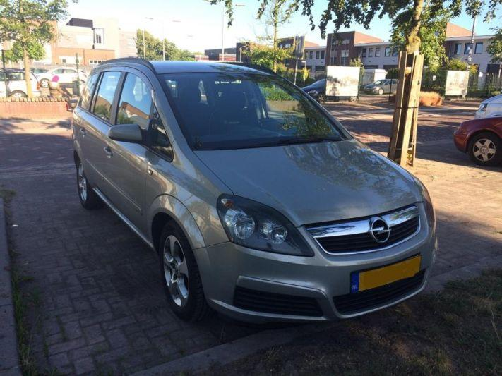 Opel Zafira 1.6 Enjoy (2005)