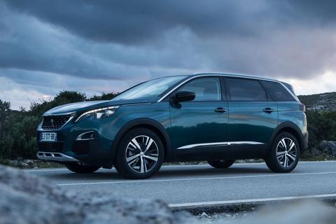 peugeot 5008 blue lease executive 1 6 bluehdi specificaties. Black Bedroom Furniture Sets. Home Design Ideas