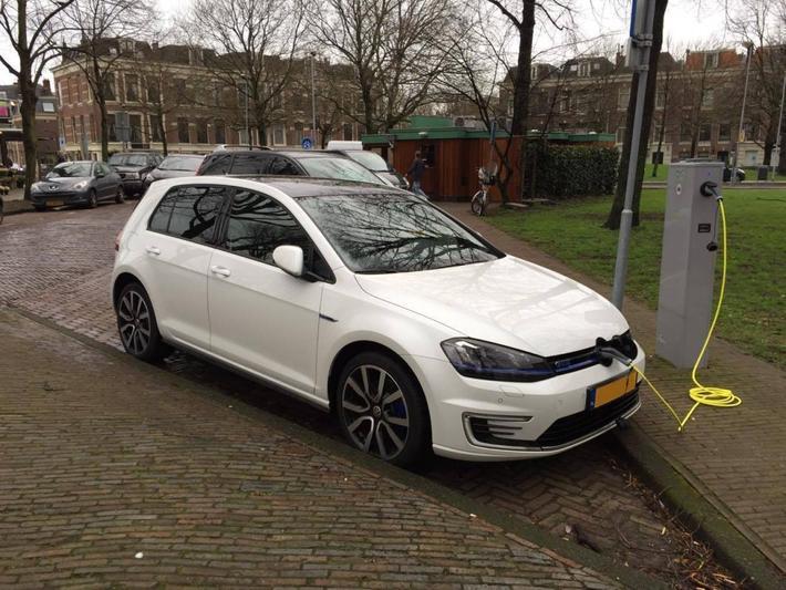 Volkswagen Golf 1.4 TSI GTE (2014)