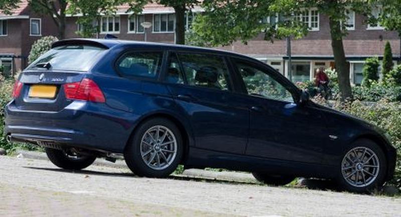 BMW 320d Touring EfficientDynamics Edition Luxury Line (2011) #2