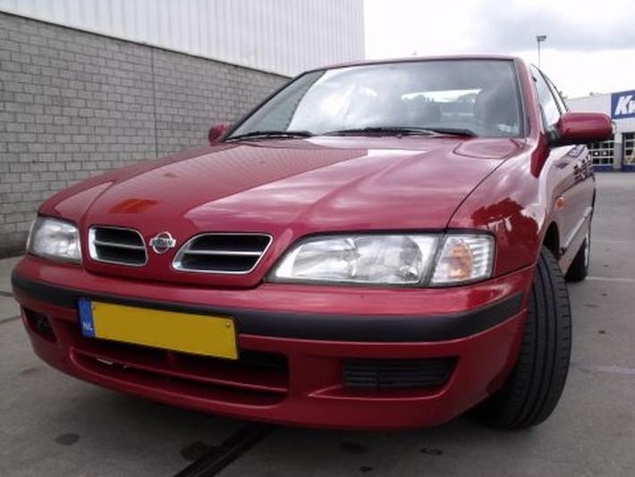 Nissan Primera 2.0 SLX (1999)