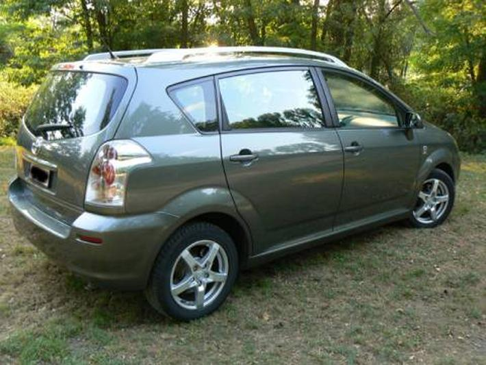 Toyota Corolla Verso 2.0 D-4D Linea Sol (2005)