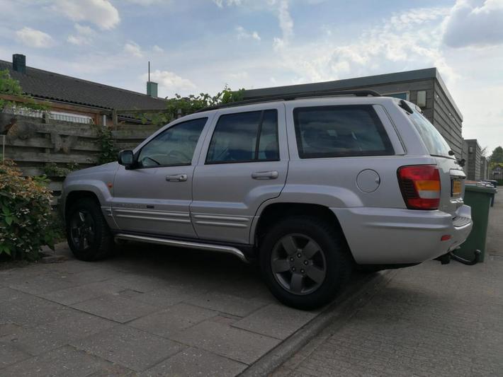 Jeep Grand Cherokee 4.7i V8 Limited (2004)