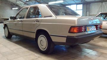 Mercedes-Benz 190 (1985)
