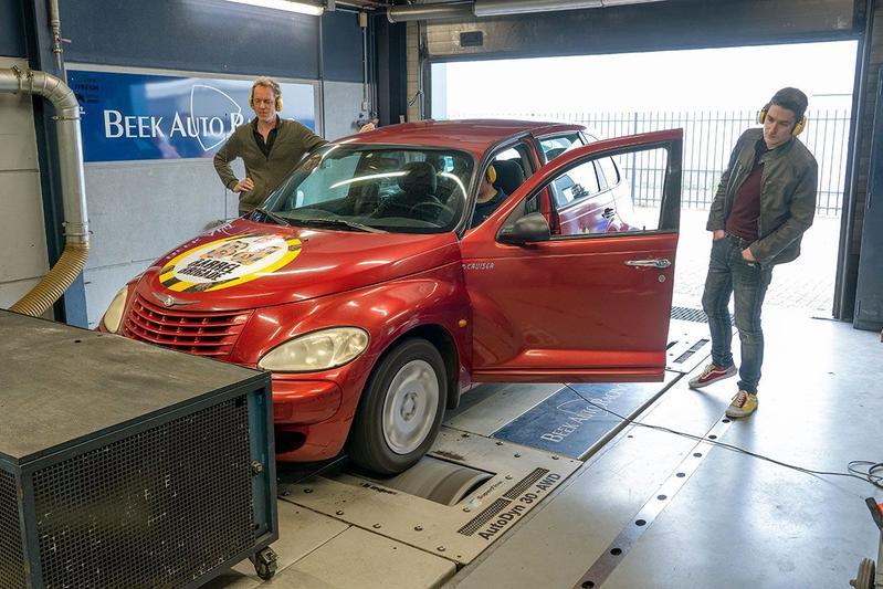 Barrelbrigade 2021 - Chrysler PT Cruiser - Op de rollenbank