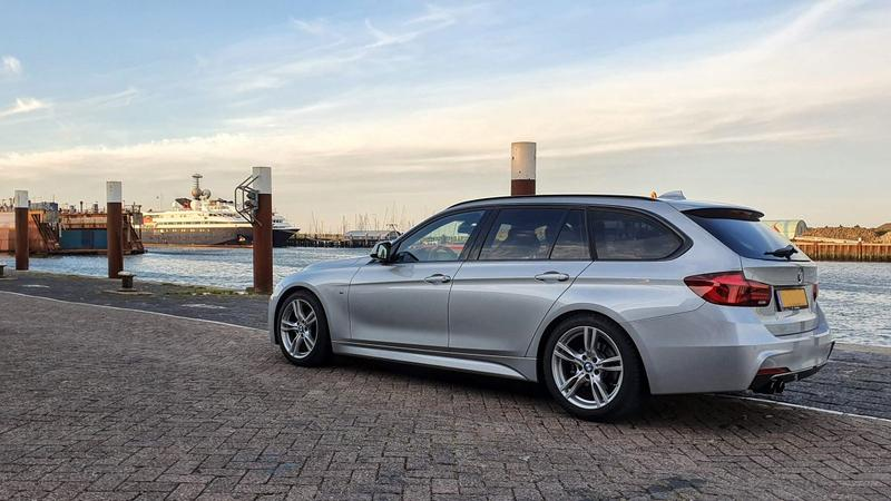 BMW 320i Touring (2018)