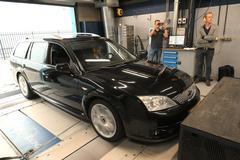 Ford Mondeo ST220 - Op de Rollenbank