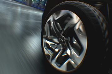Elektrische Chevrolet Silverado draait kleine rondjes