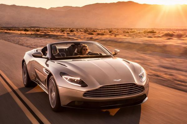 Aston Martin onthult DB11 Volante