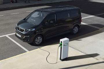 Peugeot e-Traveller volgt e-Expert