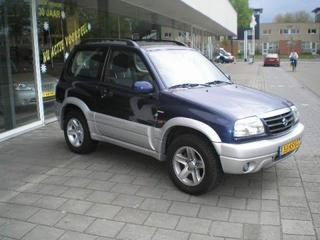 Suzuki Grand Vitara Metal Top 2.0 Wide Body (2003)