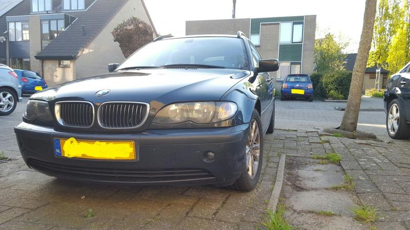 BMW 320i Executive (2003)