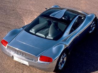 De Vluchtstrook: Audi Avus, supercar met W12 van hout