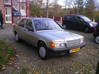 Mercedes-Benz 190 E (1984)