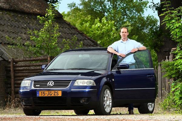 Video: Volkswagen Passat W8 - Blits Bezit