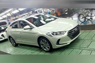 Hyundai Elantra nu al op internet