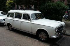 In het wild: Peugeot 403 Familiale (1960)