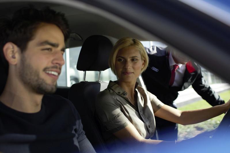 Audi klanten verkoop Duits showroom proefrit