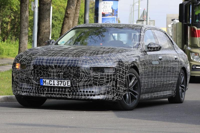 Spyshots BMW i7