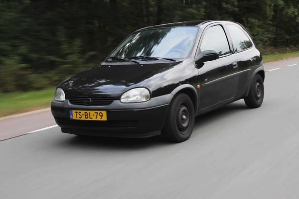 Video: Opel Corsa 1.4i – 1998 – 351.339 km - Klokje Rond