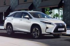 Lexus hangt prijskaartje aan RX 450hL