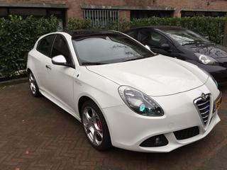 Alfa Romeo Giulietta 1.4 Turbo MultiAir Distinctive (2011)