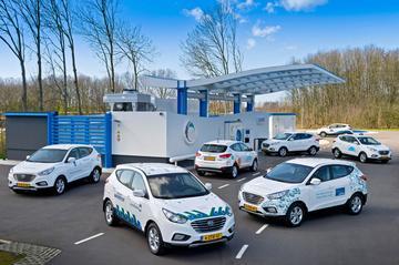 Hyundai zet eerste waterstofauto's op NL-kenteken